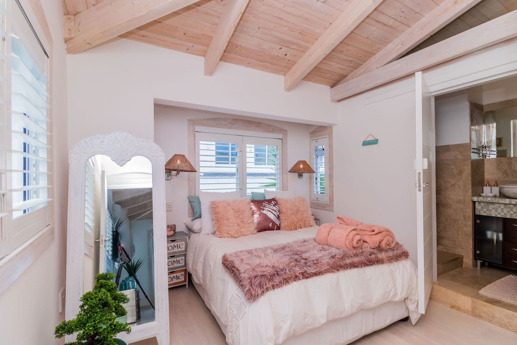 bedrooms-mountain-view-1
