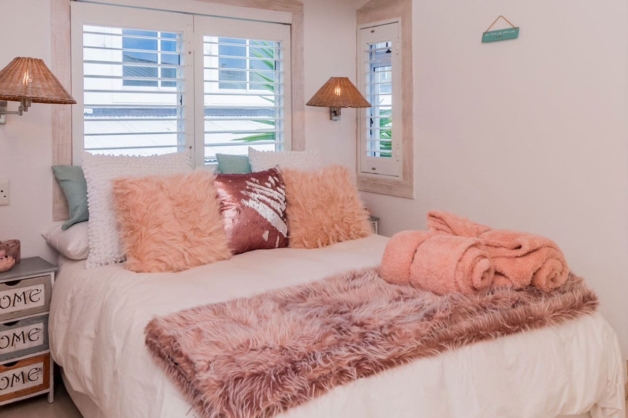 bedrooms-mountain-view-2